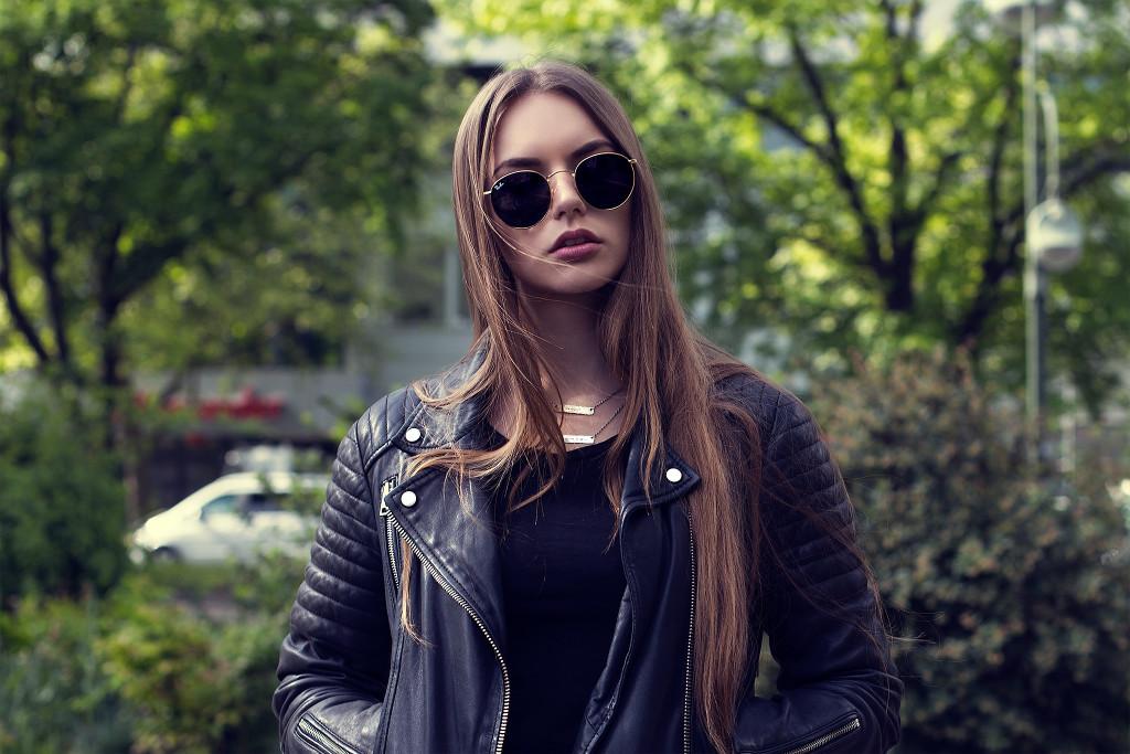 Herpistolgo-Berlin Street Style-rayban sunglasses-annika herpistolgo