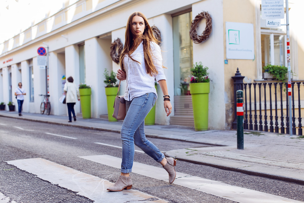 annika_vliegervandam_denim_walk